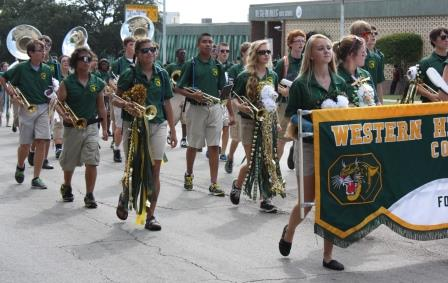 Western Hills Home Coming Parade 14v